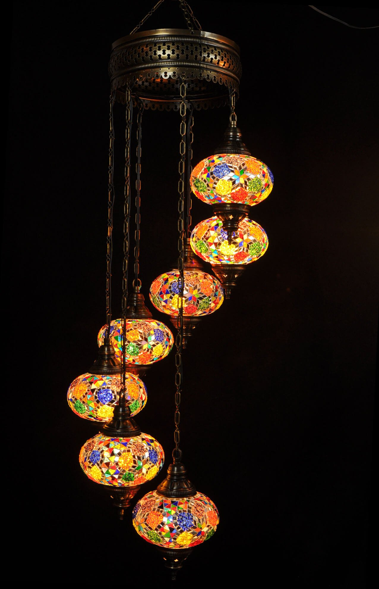 Looking for the perfect Oriental chandelier multicolor ? Buy your handcrafted Turkish light easily, quick and safe at our online store Oriental Lights.